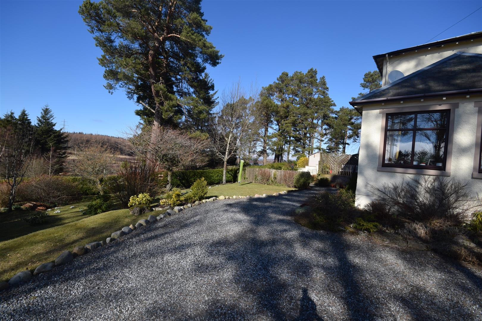 Tomphubil Bheag, Foss, By Pitlochry, Perthshire, PH16 5NL, UK